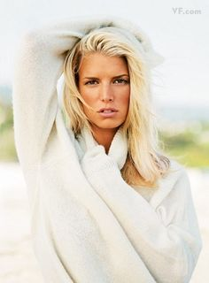 Photos: Jessica Simpson: Girl Meets Fame - - Five years before her controversial appearance on *Vanity Fair'*s cover, Jessica Simpson posed for these sizzling shots, taken by Patrick Demarchelier. Jessica Simpson Body, Jessica Simpson Dresses, Jessica Simpson Heels, Jessica Simpsons, Patrick Demarchelier, Jessica Simpson Hair Extensions, Celebrity Wedding Photos, Celebrity Style, Nick Lachey