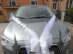 Best Picture For wedding cars limo For Your Taste You are looking for something, and it is going to tell you exactly what you are looking for, and you didn't find that picture. Here you will find the Wedding Car Decorations, Wedding Cars, Wedding Arrangements, Flower Arrangements, Most Beautiful Pictures, Cool Pictures, Bridal Car, Funeral Flowers, Just Married
