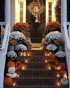 decor ideas 80 Elegant Ways to Decorate for Fall Fall Thanksgiving Halloween Autumn Decorating ideas outdoor front door interior design tablescapes table settings pumpkins flowers Decoration Bedroom, Fall Bedroom Decor, Food Decoration, Autumn Decorating, Decorating Tips, Fall Outdoor Decorating, Fall Home Decor, Fall Decor Outdoor, Country Fall Decor