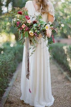 Love the loose shape of this rustic bouquet