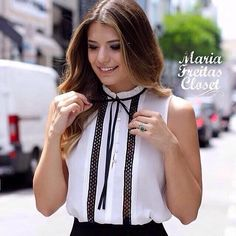 Oieeee meus amoresss!! ❤️❤️ Olhem que lindaaa essa blusa!!! 😱😍😍 🔸Tamanho P, M e G 🔸Cor branca, rosa e vermelha 🔸R$109,90 Esse e muitos outros modelos maravilhosos acabaram de chegar nas lojas #mariafreitascloset! Corra para conferir e garantir o seu look top 💃👏👏👏 #moda #look #style #fashion #ootd #top #love #amor #amo #shirt #blusa #linda #branco #rosa #vermelho #amazing #wonderful #beautiful #fashionista #new #novidades #newcollection #instafashion #instaphoto…