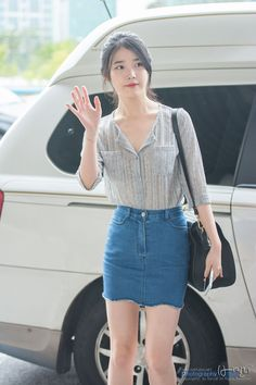 140718 김포공항 출국 아이유 직찍 by 버칼리 Oh My Heart, Korean Actors, Actors & Actresses, Denim Skirt, Idol, Hair Beauty, Beautiful Women, Celebrities, Lady