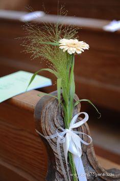 Hochzeit Kirchenschmuck Gerbera creme