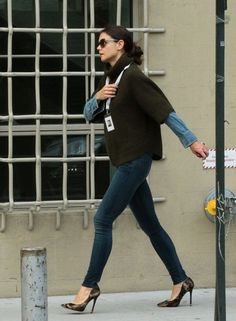 Katie Holmes take her daughter Suri Cruise to school in New York City on October 11, 2013.
