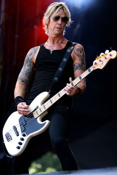 http://whichbass.co.uk/wbwp/wp-content/uploads/2017/08/Duff-CC.jpg