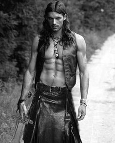 Men's Heroic Warrior Hairstyles – Gaelic, Braids, Gothic, Samurai ...