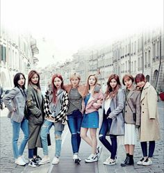 Twice in Switzerland K Pop, Kpop Girl Groups, Korean Girl Groups, Kpop Girls, Twice Group, Moda Pop, Twice Korean, Twice Once, Song Of The Year