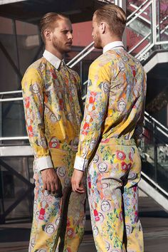 L'Enfant Roi...men's printed fashion, oh dear hopefully NOT appearing on a high street anywhere near me, it's awful