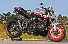 Ducati Streetfighter Corse « Cyriletto