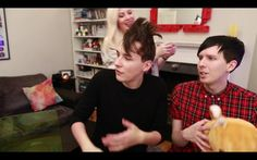 SprinkleOfGlitter's new video with AmazingPhil & danisnotonfire !!! xx screenshot