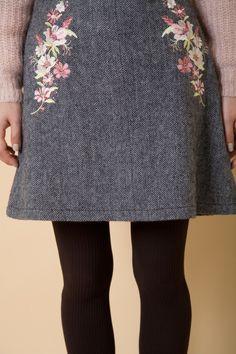 刺繍入りへリンボーンスカート 商品画像