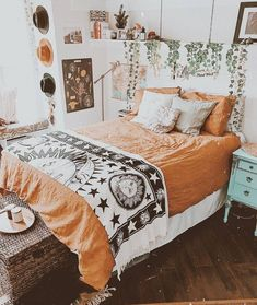 Who Else Needs to Study About Bed room Inspo Boho Concepts? Boho dorm rooms are the . - Bed House Who Else Needs to Study About Bed room Inspo Boho Concepts? Boho dorm rooms are the proper strategy to carry the […] room design design fashionable. Bohemian Bedroom Design, Bohemian Living Rooms, Bohemian Bedroom Decor, Hippie Bedrooms, Gothic Bedroom, Tapestry Bedroom Boho, Fall Bedroom Decor, Dorm Tapestry, Design Bedroom