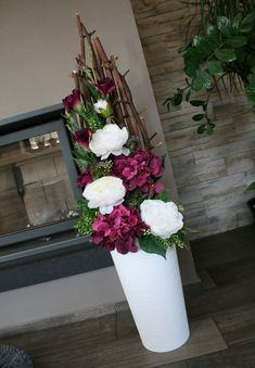 Vase Arrangements, Happy House, Artificial Plants, Ikebana, Flower Vases, Wedding Flowers, Bouquet, Rose, Garden
