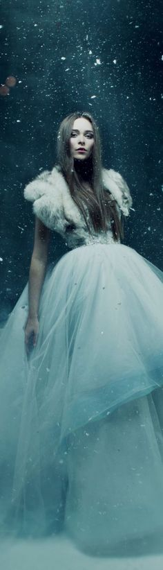 ideas fashion winter photography snow queen for 2019 Fantasy Photography, Winter Photography, Fashion Photography, Edgy Photography, Fantasia Marilyn Monroe, Foto Fashion, Dress Fashion, Trendy Fashion, Fashion Art