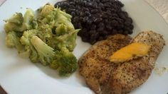 Another yummy & healthy low carb dinner! Healthy Low Carb Dinners, Healthy Diet Recipes, Healthy Foods To Eat, Healthy Eating, Delicious Recipes, Low Carb Tilapia Recipe, Tilapia Recipes, Healthy Tilapia, Lemon Pepper Tilapia