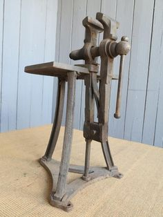 Antique Iron Vice 6934