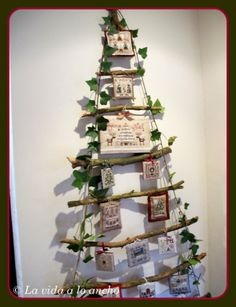 What a great idea for displaying Christmas cards
