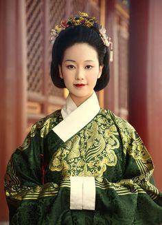 kitajskij-nacionalnyj-kostyum-15.jpg (578×801)