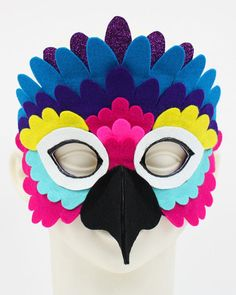 Parrot costume kid - New ideas Parrot Costume, Bird Costume, Diy Crafts For Kids, Arts And Crafts, Halloween Karneval, Bird Masks, Felt Mask, Avengers Birthday, Camping Crafts