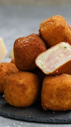 These deep fried ham and cheese squares are the perfect snack or side for any comforting meal! These deep fried ham and cheese squares are the perfect snack or side for any comforting meal! Appetizer Recipes, Snack Recipes, Cooking Recipes, Meat Appetizers, Party Appetizers, Party Recipes, Recipes Dinner, Snacks Ideas, Cooking Games