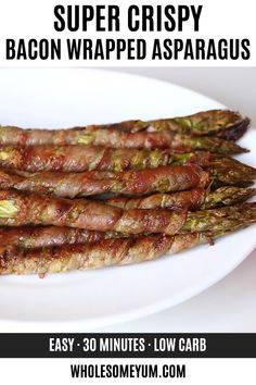 Bacon Wrapped Asparagus Recipe in the Oven (Paleo) - This easy bacon wrapped asparagus recipe in the oven includes tricks for extra crispy bacon. Everyone loves these easy asparagus and bacon appetizers. Ready in 30 minutes! Asparagus In Oven, Best Asparagus Recipe, Asparagus Bacon, How To Cook Asparagus, Asparagus Appetizer, Bacon Wrapped Asparagus Baked, Baked Asparagus Recipes, Roast Asparagus, Bacon Appetizers