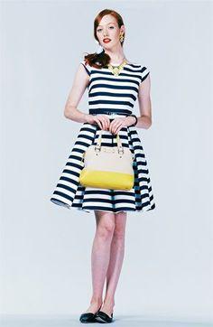 Vestido linha-a listrado - http://vestidododia.com.br/modelos-de-vestido/vestidos-linha-a/vestidos-linha-a/