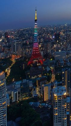 Japan is where the world's artists, adventurers, foodies and thrill seekers go for great experiences and memories that last a lifetime. Explore the possibilities and share your idea of a great excursion through this collection of movie clips.