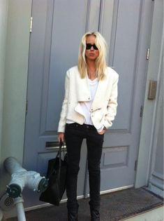 Elin Kling - Swedish fashion blogger She runs a Scandinavian fashion blog called Style by Kling