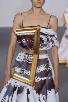 Viktor & Rolf at Couture Fall 2015 (Details)