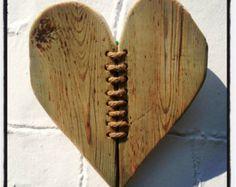 Driftwood & Twine Heart Wall Hanging von driftingtides auf Etsy