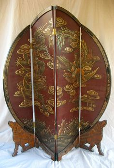 Red and Round Folding Screen