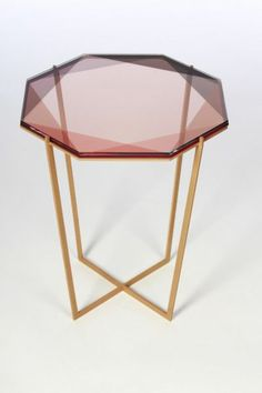 table basse design en verre rose et fer