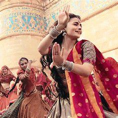 Bollywood Actress Hot Photos, Bollywood Celebrities, Ethnic Outfits, Indian Outfits, Sabhyasachi Sarees, Jodhaa Akbar, Prince Héritier, Indian Aesthetic, Lace Dress Styles