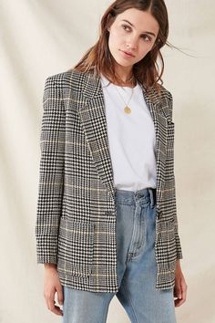Shop Vintage Oversized Blazer at Urban Outfitters today. We carry all the latest styles, colors and brands for you to choose from right here.