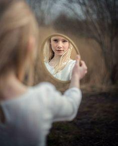New ideas for fashion photography portrait men Mirror Photography, Portrait Photography Poses, Senior Photography, Creative Photography, Photography Tips, Woman Photography, Fashion Photography, Newborn Photography, Digital Photography