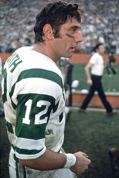 led the New York Jets to Superbowl championship in love him enough to pin him to my Bruces' New York Jets Football, Alabama Football, Nfl Football, Football Players, Nfl Jets, Legends Football, Football Stuff, Baseball Jerseys, Football Cards
