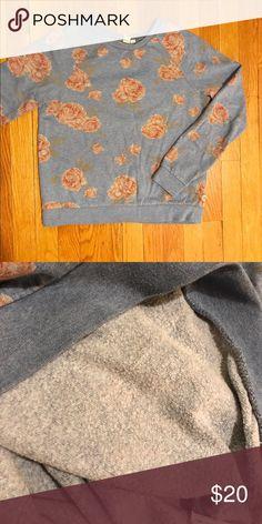 Vans floral sweatshirt Dog and cozy floral sweatshirt from Vans. Cotton blend with fleece inside. Vans Tops Sweatshirts & Hoodies
