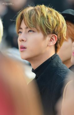 Jin squinting is so hot