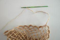 DMMU: Gratis haakpatroon: Boodschappen-netje! Chrochet, Crochet Necklace, Gold Necklace, Knitting, Jewelry, Bags, Peace, Crochet, Crochet Collar