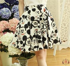 Super cute Mickey head dress, a variety of expression, the umbrella skirt greatly, have pockets on both sides, side zippers and buttons S waist 60cm length 47cm M waist 64cm length 48cm L waist 68cm length 49cm