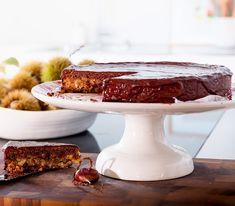 Dank der Marroni bleibt dieser Kuchen schön saftig. Die Schokoladenglasur darf dennoch keinesfalls fehlen.