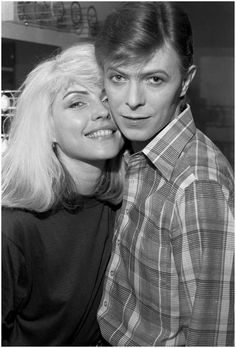 Debbie Harry & David Bowie, Backstage During The Idiot Tour With David Bowie, 1977 Photo Chris Stein 1386×2048 пикс