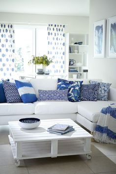 Living Room - pattern mixing