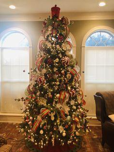 Christmas tree decor ideas Christmas Tree Decorations, Holiday Decor, Christmas Tree Inspiration, Decor Ideas, Home Decor, Decoration Home, Room Decor, Home Interior Design, Home Decoration