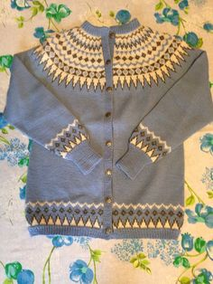 ae803e36352109 Women s Genuine Norwegian fairisle nordic wool cardigan with silver  buttons. 100% moth proof WOOL fits size Medium