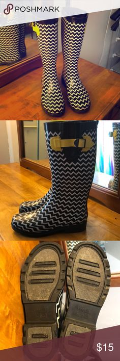 Patterned Rain Boots Like new rain boots. Only worn once or twice. Black and white zig zag pattern with yellow calf adjuster. Not made for wide feet Capelli of New York Shoes Winter & Rain Boots