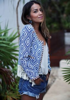 Summer outfit: blue printed jacket, loose white top, denim cut-offs, sandals