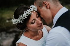 """Zum Wind wurd meine Stimme um ihr Ohr zu berühren."" - Neruda. . . . . #bridebook #groombook #shotfromtheheart #weddingdayemotion #loveisintheair #wedding #weddingday #weddingphotography #tribearchipelago #lxc #lorenxchris #southtyrol #südtirol #lookslikefilm #photobugcommunity #wayupnorth #wedaward #weddingphotographer #junebugweddings #weddinglovebug #destinationwedding #theweedinglegends #woodsandwolves #instawedding #socialbrideblog #ypwphoto #togetherweroam #yourockphotographers…"