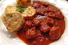 Brauhaus - Gulasch (Rezept mit Bild) von aasoeckchen | Chefkoch.de --> Bestes Gulasch allerzeiten <3