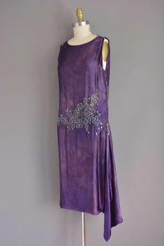 silk rhinestone beaded dress in purple velvet Vintage Flapper Dress, Flapper Style, 1920s Dress, Vintage Dresses, Vintage Outfits, Flapper Dresses, 1920s Flapper, 1920s Style, 20s Fashion